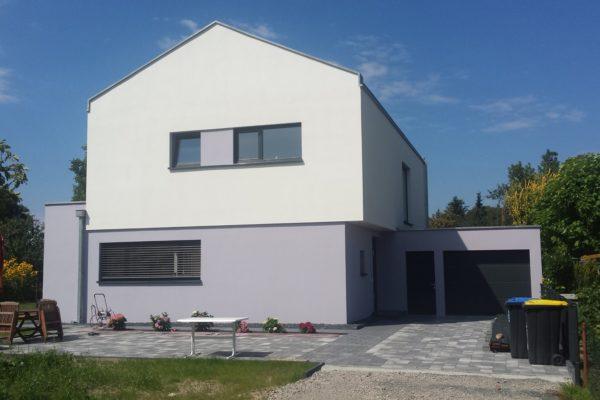 31_Modernes Haus mit Satteldach