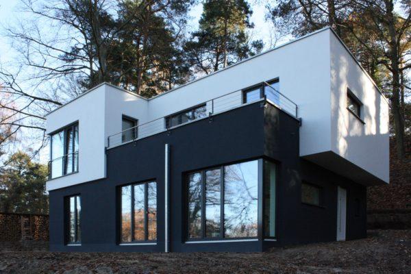 34_Modernes Haus mit Flachdach & Dachterrasse