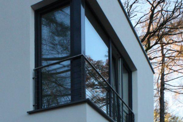 36_Modernes Haus mit Flachdach Eckfenster