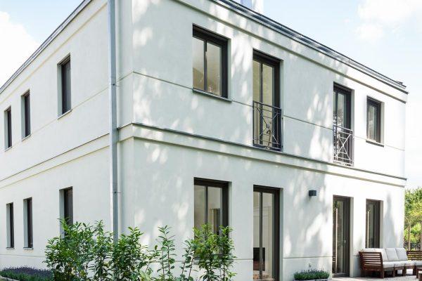 Baukonzept Potsdam Bildergalerie Stadtvilla Gartenansicht französischer Balkon